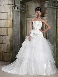 New A-Line / Princess Strapless Court Train Taffeta and Tulle Pleat Wedding Dress