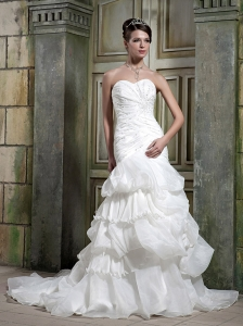 Beautiful Mermaid / Trumpet Sweetheart Court Train Satin and Organza Beading Wedding Dress