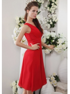 Red Empire V-neck Knee-length Chiffon Ruch Bridesmaid Dress