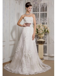 Elegant A-Line / Princess Strapless Court Train Satin and Lace Appliques Wedding Dress