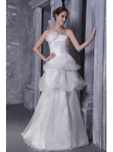 Popular A-Line / Princess Strapless Floor-length Organza and Taffeta Hand Flower Wedding Dress