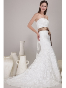 Elegant Trumpet / Mermaid Strapless Court Train Lace Sash / Ribbons Wedding Dress