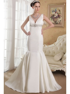 Elegant  Mermaid  V-neck Court Train Satin Beading Wedding Dress
