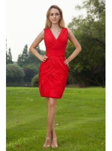 Red Column V-neck Mini-length Chiffon Ruch Prom / Homecoming Dress