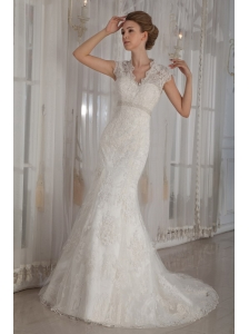 Elegant Mermaid / Trumpet V-Neck Court Lace Beading and Appliques Wedding Dress