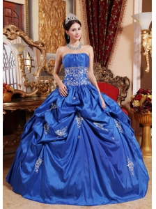 Beautiful Blue Quinceanera Dress Strapless Taffeta Appliques Ball Gown
