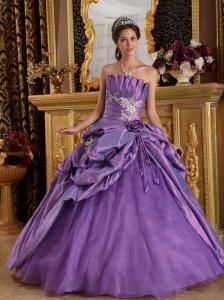 Classical Lavender Quinceanera Dress Strapless Appliques Taffeta Ball Gown