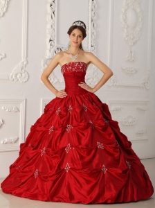 Elegant Wine Red Quinceanera Dress Strapless Taffeta Appliques and Beading Ball Gown