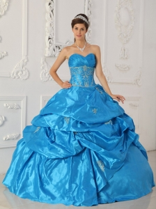 Low Price Aqua Blue Quinceanera Dress Sweetheart Taffeta Appliques Ball Gown