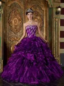 Pretty Eggplany Purple Quinceanera Dres Strapless Organza Ruffles Ball Gown