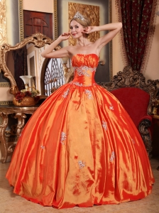 Simple Orange Red Quinceanera Dress Strapless Taffeta Appliques Ball Gown