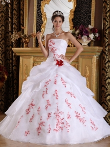 Wonderful White Quinceanera Dress Strapless Organza Appliques A-Line / Princess