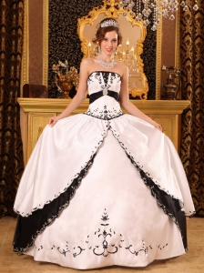 Classical White and Black Quinceanera Dress Strapless Embroidery Satin Ball Gown