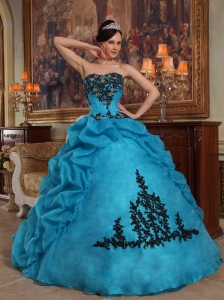 Discount Blue Quinceanera Dress Strapless Taffeta and Organza Beading and Pick-ups Ball Gown
