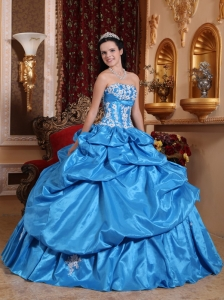 Elegant Baby Blue Quinceanera Dress Strapless Taffeta Appliques Ball Gown