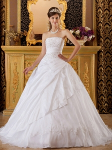 Exquisite White Sweet 16 Dress Strapless Tafftea and Tulle Appliques Ball Gown