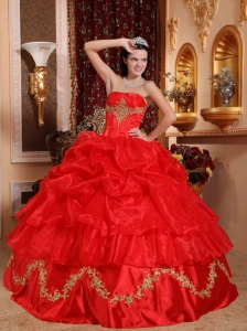 Gorgeous Red Quinceanera Dress Strapless Organza Beading Ball Gown