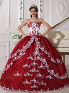 Modest Wine Red and White Quinceanera Dress Strapless  Organza Appliques Ball Gown