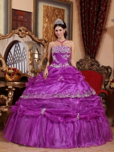 Fashionable Fuchsia Quinceanera Dress Strapless Organza Appliques Ball Gown