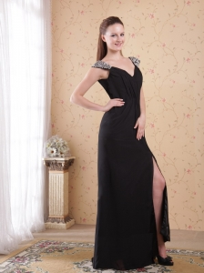 Black Column / Sheath V-neck Brush Train Chiffon Beading and Ruch Prom / Evening Dress