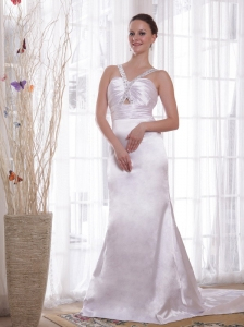 Ivory Column/Sheath V-neck Court Train Elastic Woven Satin Beading and Ruch Prom Dress