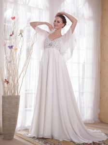 White A-Line / Princess V-neck Court Train Chiffon Beading Dama Dress