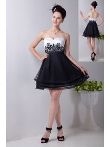 Black and White A-line Sweetheart Prom / Homecoming Dress Organza Appliques Mini-length