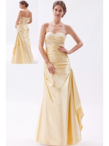 Champagne Column / Sheath Sweetheart Prom DressTaffeta Appliques with Beading Floor-length