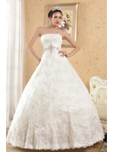Classical Ball Gown Strapless Floor-length Lace Beading Wedding Dress