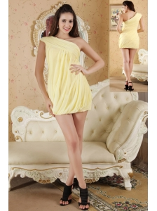 Light Yellow Column One Shoulder Prom / Homecoming Dress Chiffon Ruch Mini-length