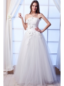 Popular A-line Strapless Floor-lengthTulle Beading and Hand Made Flowers Wedding Dress