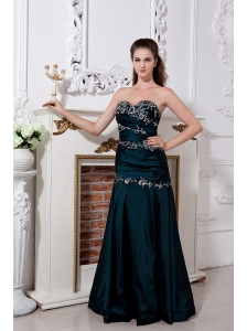 Emerald Green Homecoming Dress Column / Sheath Sweetheart Ruch and Embroidery Floor-length Taffeta