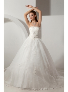 Beautiful A-line Strapless Beading Wedding Dress Chapel Train Organza
