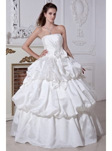 Classical A-line / Princess Strapless Beading and Bows Plus Size Wedding Dress Floor-length Taffeta