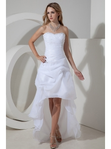 Elegant A-line / Princess Strapless Short Wedding Dress High-low Organza Bow and Beading