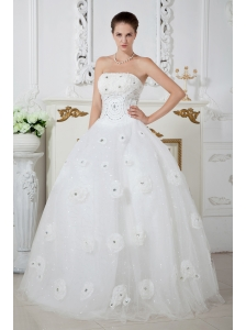 Elegant Ball Gown Strapless Beading Wedding Dress Floor-length Tulle