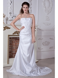 Inexpensive A-line / Princess Strapless Embriodery Wedding Dress Court Train Satin