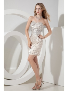 Champagne Column / Sheath Sweetheart Beading Short Prom Dress Mini-length Satin