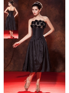 Modest Black A-line / Princess Strapless Prom Dress Tea-length Taffeta Hand Made Flowers