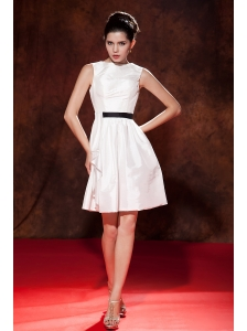 Modest White A-line / Princess Prom Dress Bateau Mini-length Taffeta