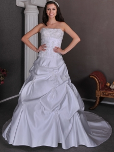 Classical Wedding Dress A-line Strapless Appliques With Beading Chapel Train Taffeta