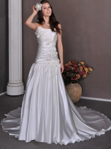 Gorgeous Wedding Dress A-line Hand Made Flowers Strapless Chapel Train Taffeta