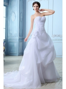 Beautiful A-line Sweetheart Low Cost Wedding Dress Court Train Organza Ruch