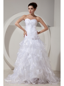 Elegant A-line / Princess Sweetheart Low Cost Wedding Dress Brush Tain Organza Hand Made Fowers