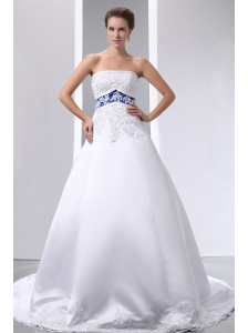 Graceful A-line Strapless Appliques Wedding Dress Brush Train Satin and Lace