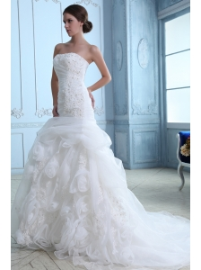 Low Price Mermaid Strapless Appliques Wedding Dress Court Train Organza