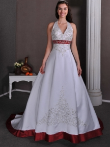 Luxurious A-line Halter Wedding Dress Chapel Train Satin Appliques With Beading