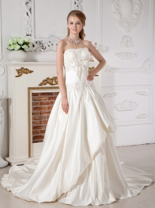 Beautiful Wedding Dress A-line Strapless Appliques Court Train Taffeta