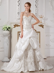 Remarkable A-line Sweetheart Wedding Dress Court Train Taffeta Appliques