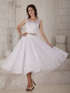 Customize A-line / Princess Scoop Short Wedding Dress Tea-length Lace Belt